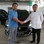 Foto Penyerahan Unit 1 Sales Marketing Mobil Dealer Suzuki Medan Azka