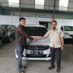 Foto Penyerahan Unit 4 Sales Marketing Mobil Dealer Suzuki Medan Azka