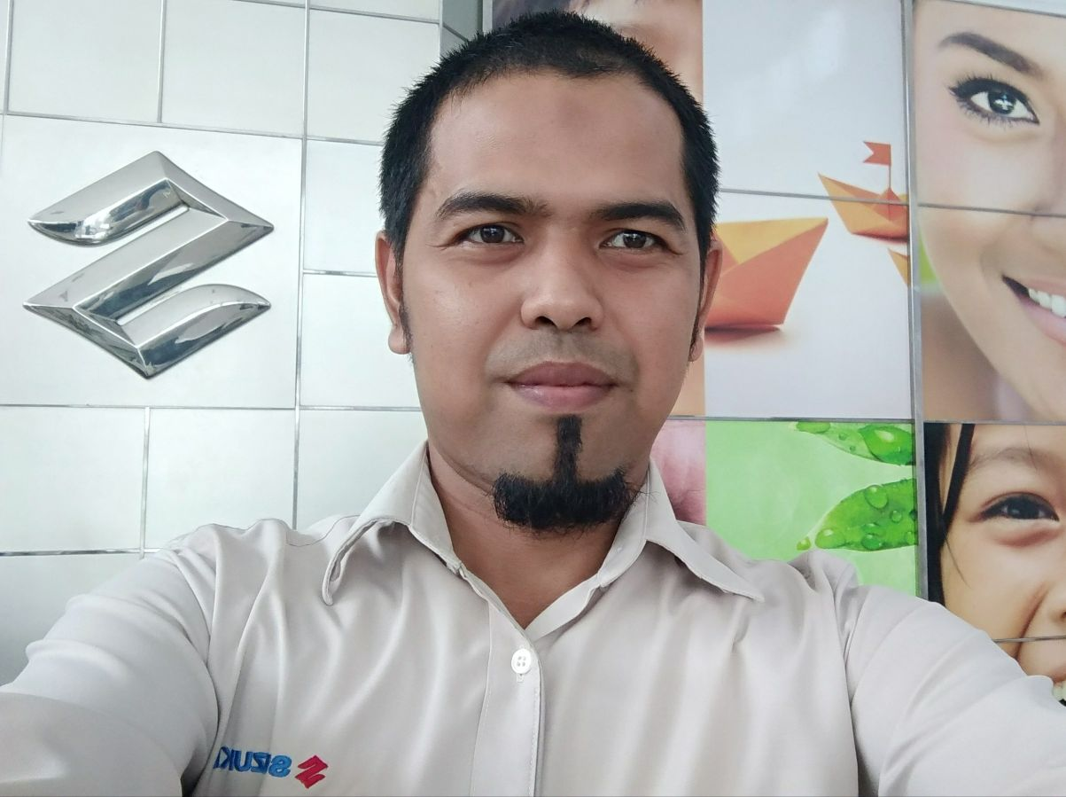 Sales Marketing Mobil Dealer Suzuki Medan Azka